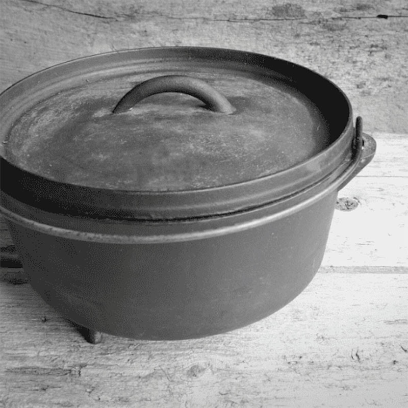 North Storm Photo of A medium sized Camp Oven sometimes referred to as a Dutch Oven
